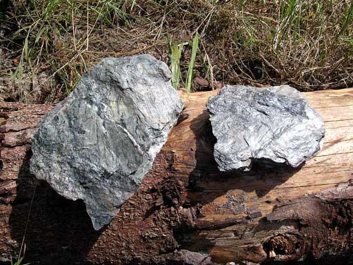 roche avec quartz et mica